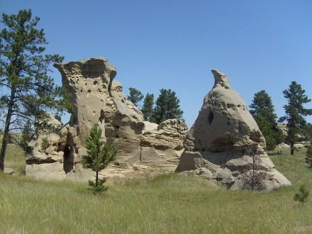 800px-Medicine_Rocks_State_Park