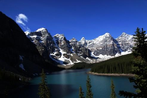 Moraine_Lake_Alberta_Canada