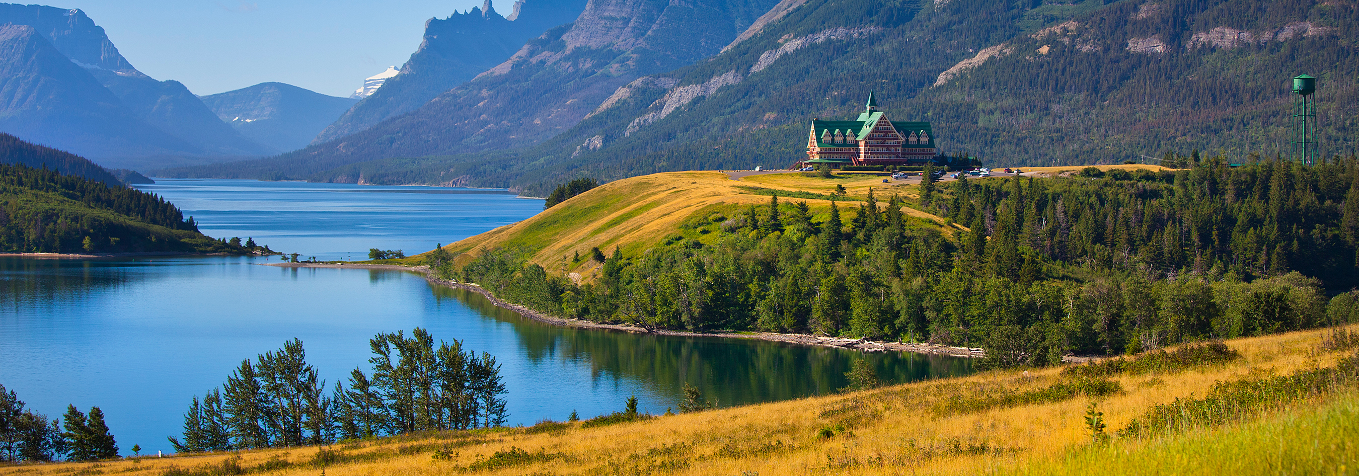 Waterton lakes alberta campgrounds with hookups