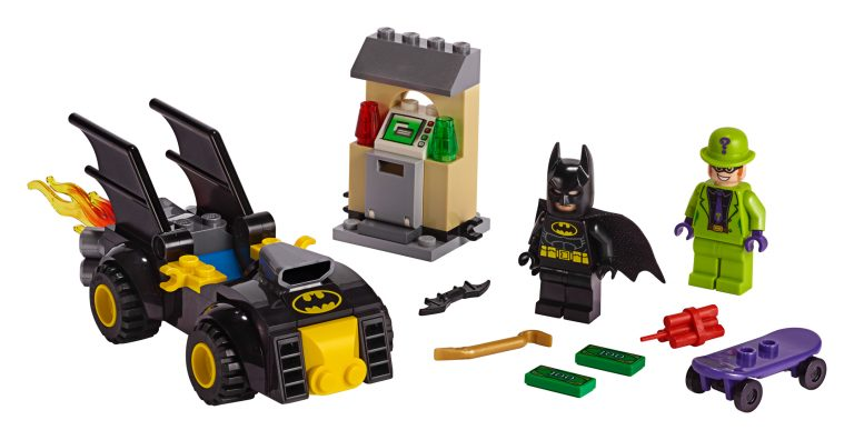 LEGO-Batman-80th-Anniversary-76137-Batma