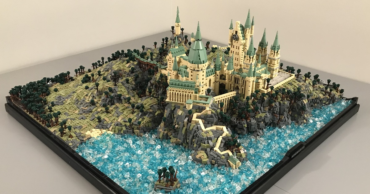 Not so tiny: This microscale LEGO Hogwarts uses over 75,000 pieces | The Brothers Brick
