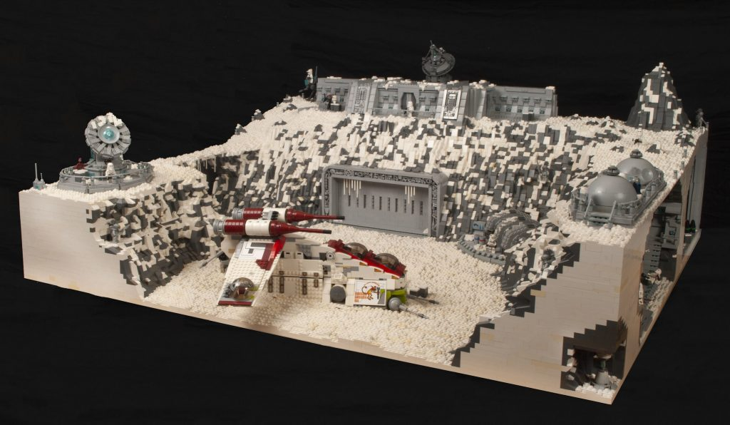 Detail abounds in this Clone Wars LEGO diorama