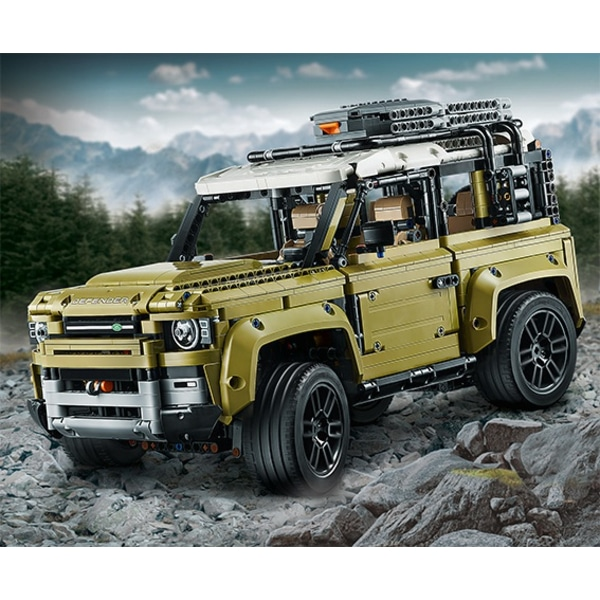 LEGO-Technic-42110-Land-Rover-Defender.jpg