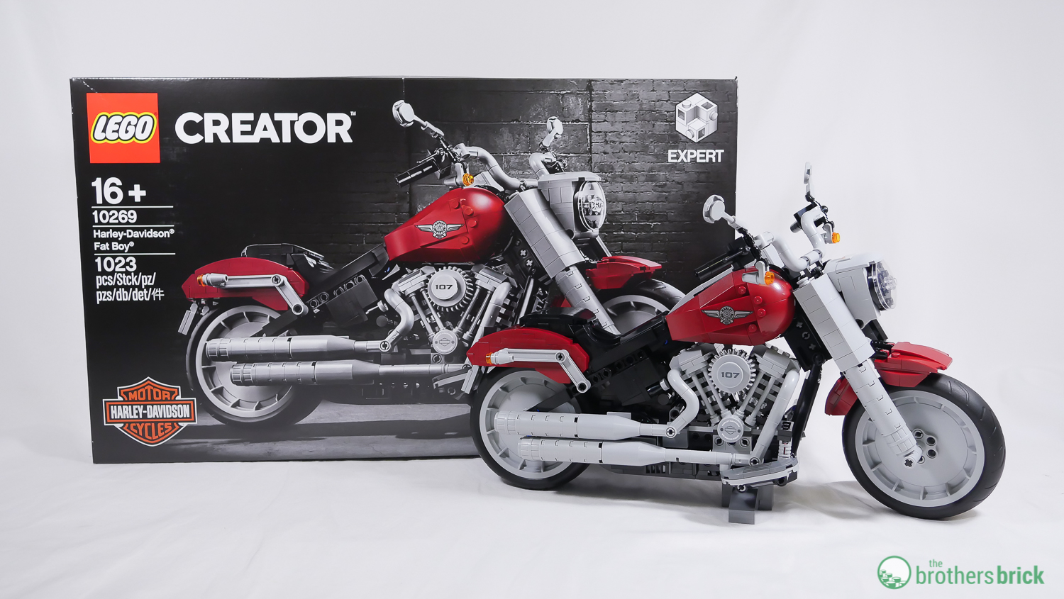 Going full throttle with LEGO Creator Expert 10269 Harley