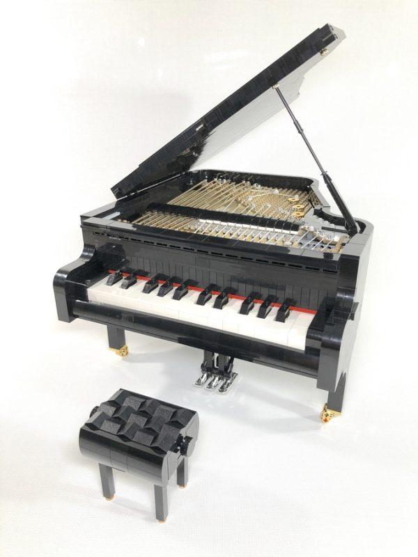 Playable-LEGO-Piano-600x800.jpeg