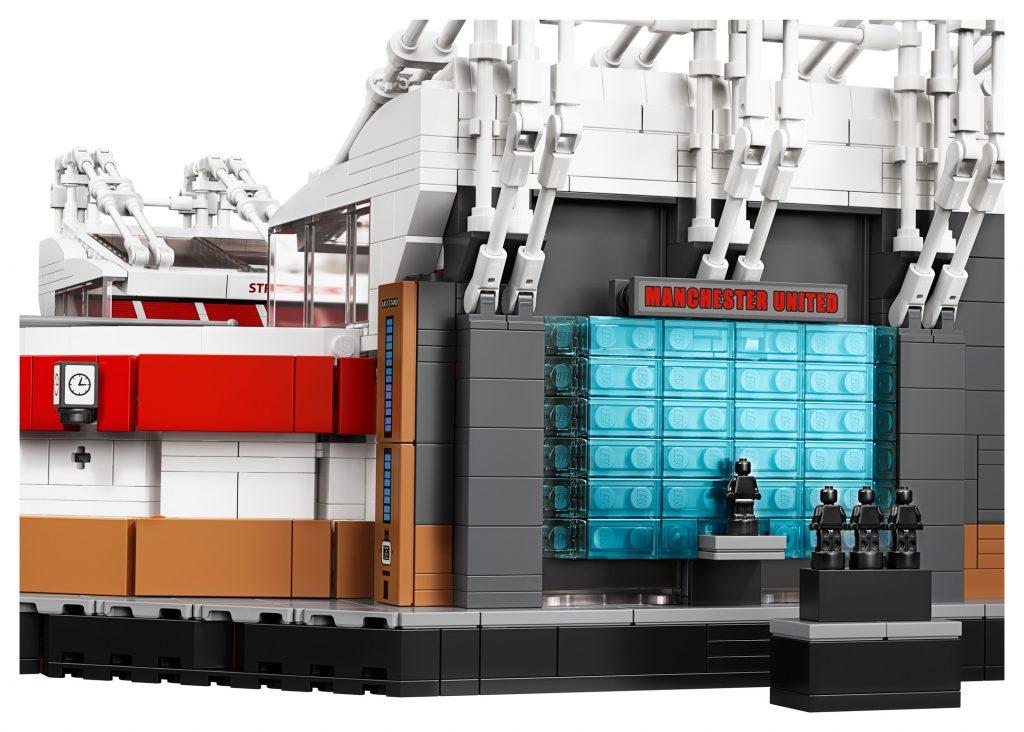 LEGO-Creator-Expert-10272-Old-Trafford-Manchester-United-9gPWT-18-1024x732.jpg