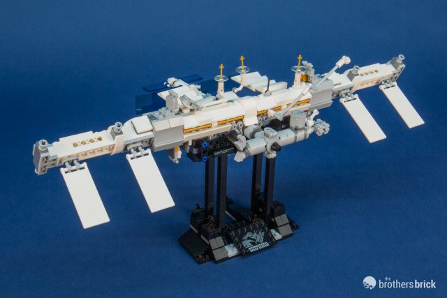 Lego Ideas Feels Right At Home In Orbit With 21321 International Space Station Review The Brothers Brick The Brothers Brick