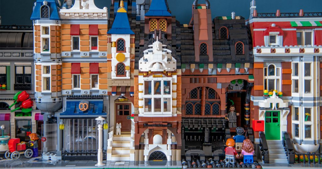 Accio Harry Potter fans! This transforming Harry Potter build from Alan McMorran is a delight.