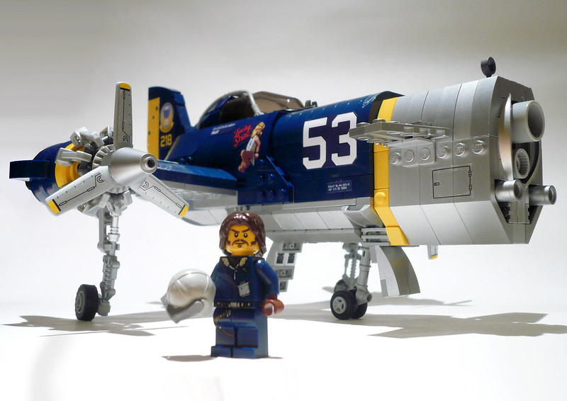 Skyhammer with minifig