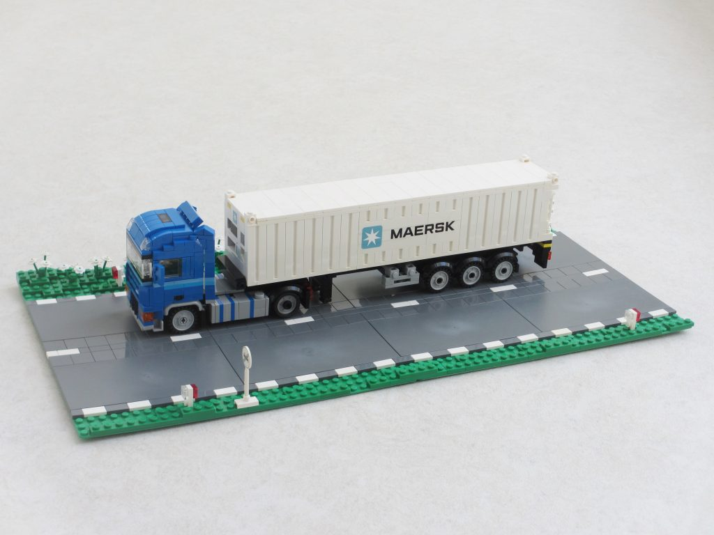 DAF XF105 with container trailer