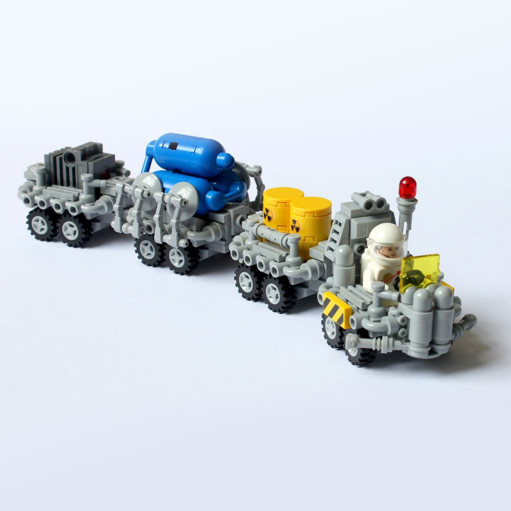 Classic Space Compact Transport Rover by The Brick Artisan