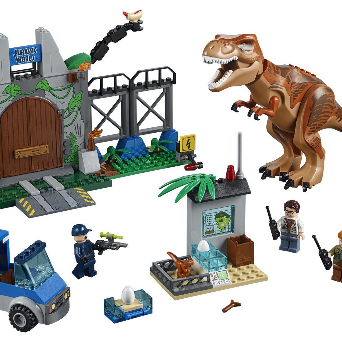 LEGO Juniors Jurassic World 10758 T. rex Breakout - full set