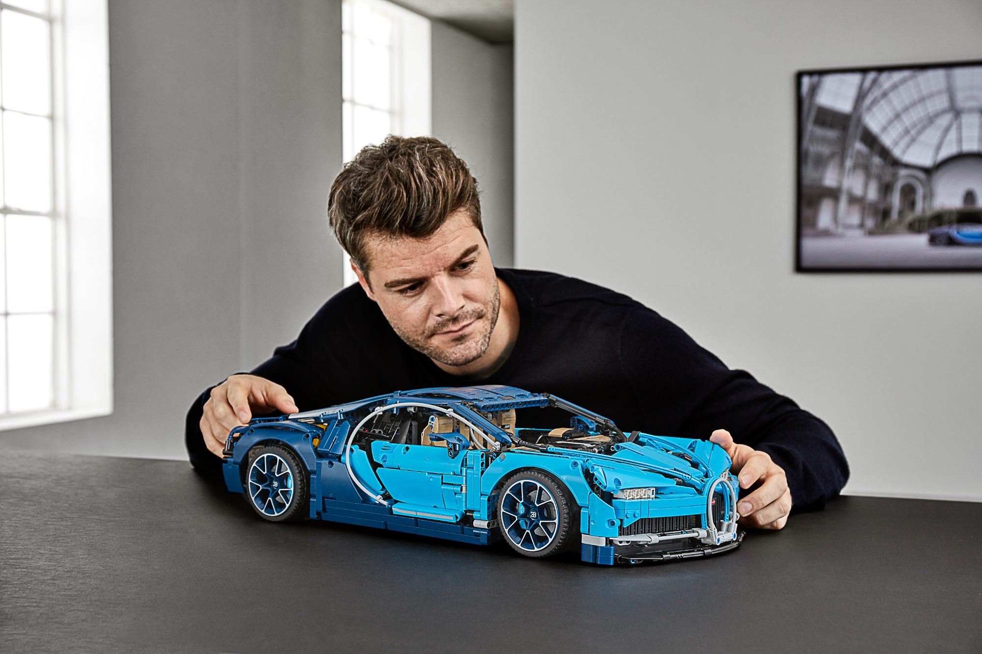 42083 Lego Technic Bugatti Chiron 26 The Brothers Brick The