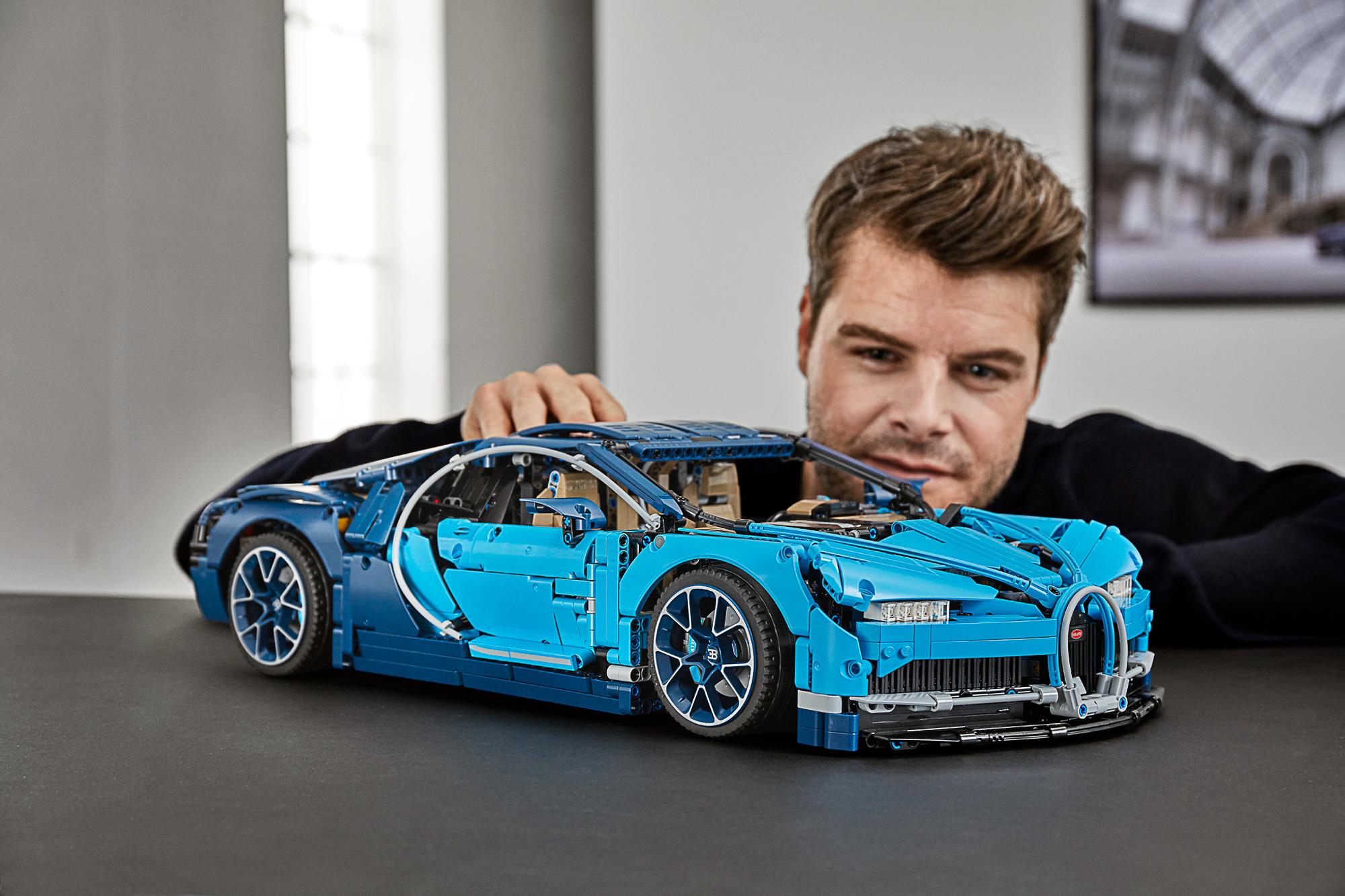42083 lego technic bugatti chiron-30 | the brothers brick | the