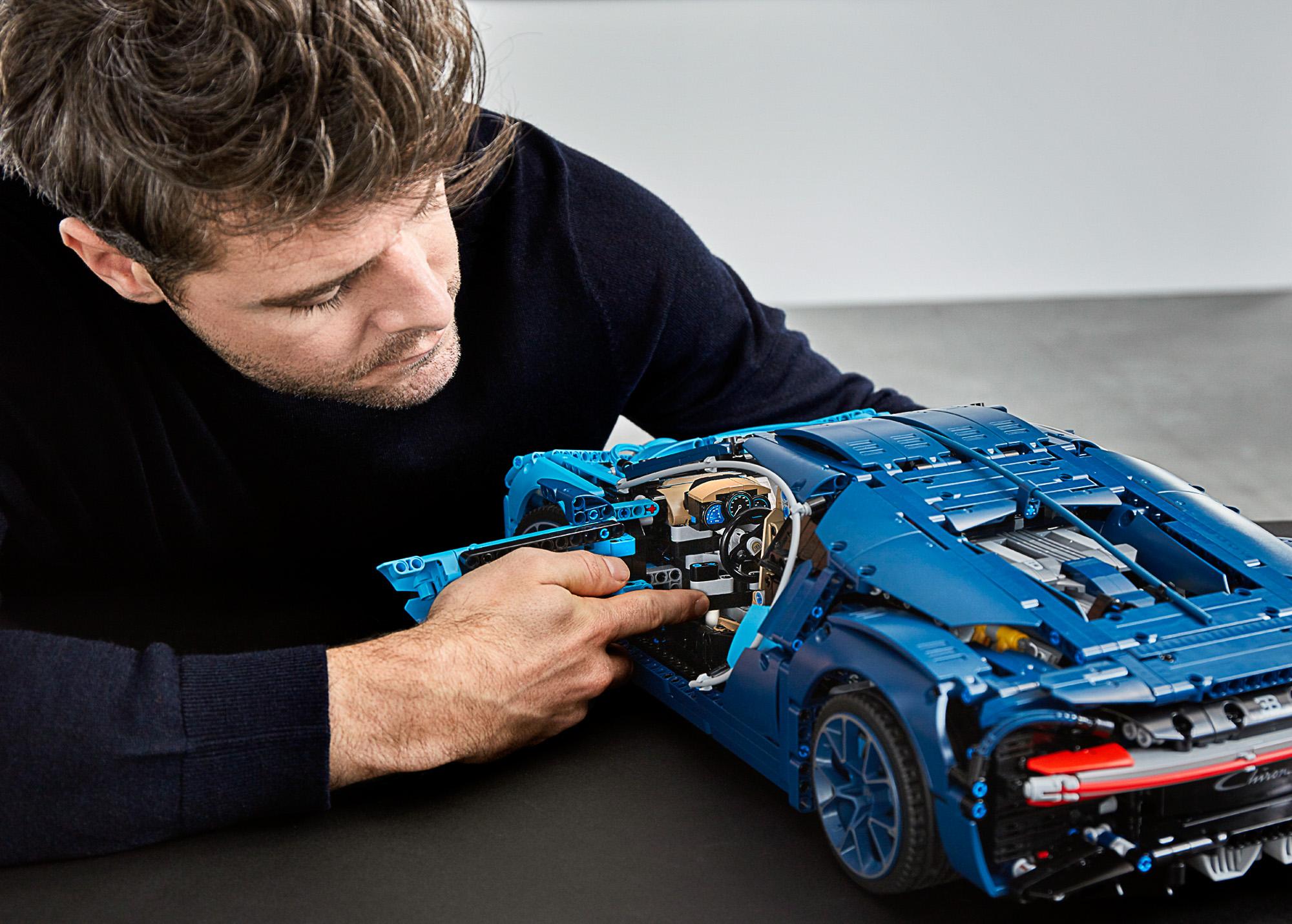 42083 lego technic bugatti chiron-34 | the brothers brick | the