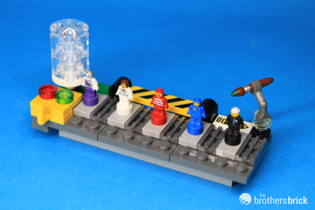 LEGO giveaway 5005358 Minifigure Factory Set [Review] | The