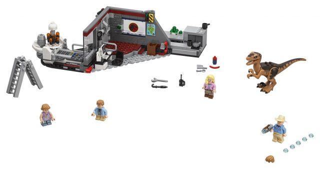 LEGO 75932 Jurassic Park Velociraptor Chase - Set Accessories