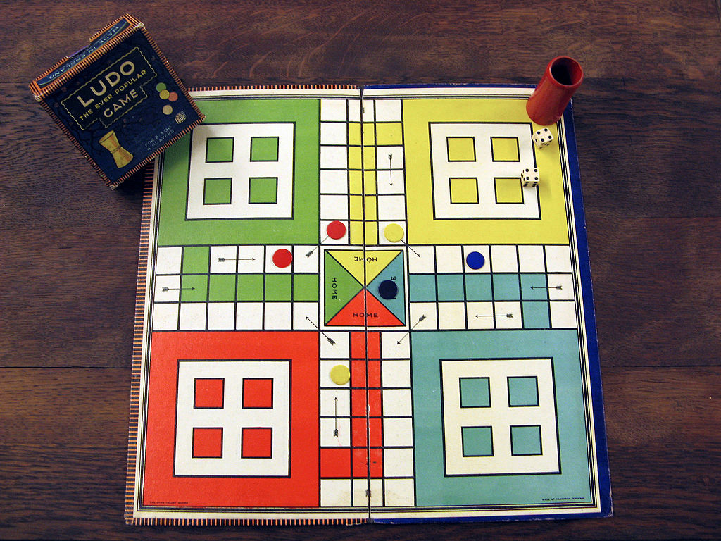 40198 Lego Ludo Game Also Known As Parcheesi Or Sorry Review The Brothers Brick The Brothers Brick