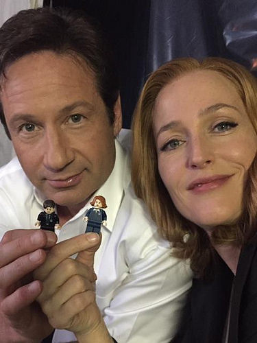 Mulder and Scully with Mulder and Scully!