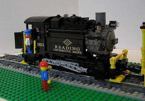 0-6-0 LEGO steam train by Cale Leiphardt