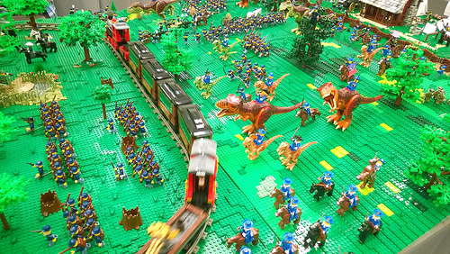 A thousand minifigs in Blue & Gray assemble for the Battle