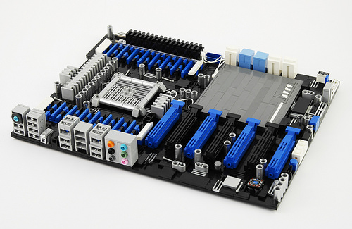 ASUS P9X79-E WS - Motherboard