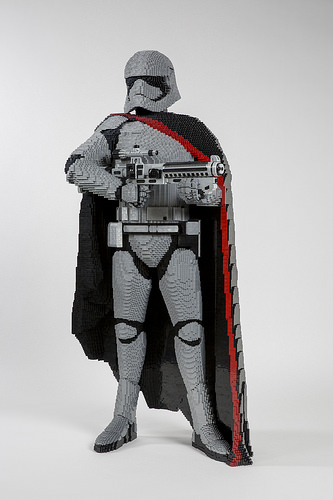 LEGO Star Wars Life Size Sculpture Finn Captain Phasma