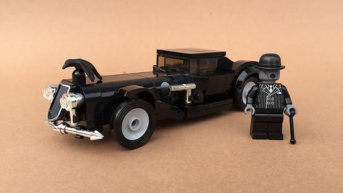 Art Deco inspired Villain Car by Jonas Obermaier