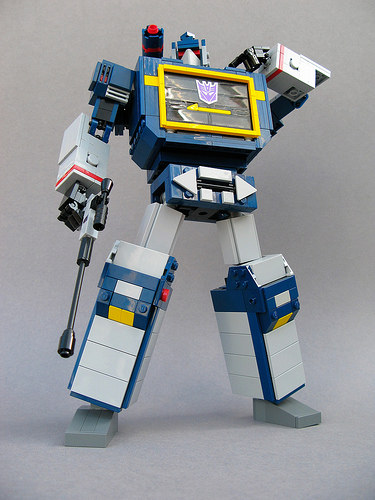 Soundwave by MortalSordsman on flickr