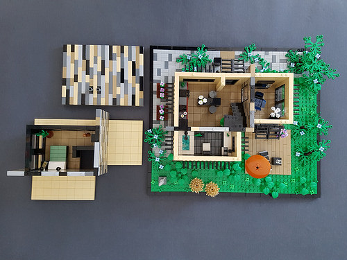 Vanilla House MOC parted