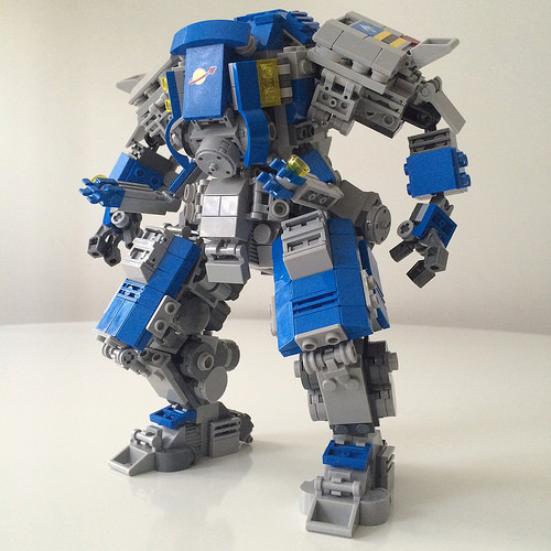 neo classic space mech: heavy lifter + extra pair of arms for precision work