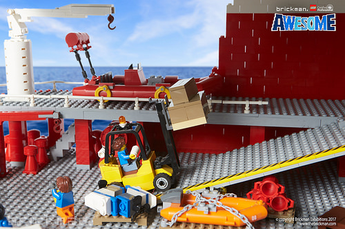 LEGO® Brick Icebreaker cargo deck