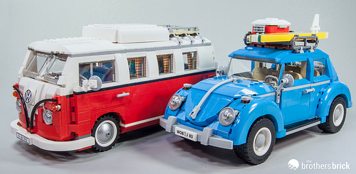 10252 Volkswagen Beetle with 10220 Volkswagen T1 Camper Van