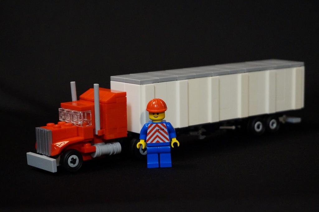 LEGO Semi truck Size Comparison