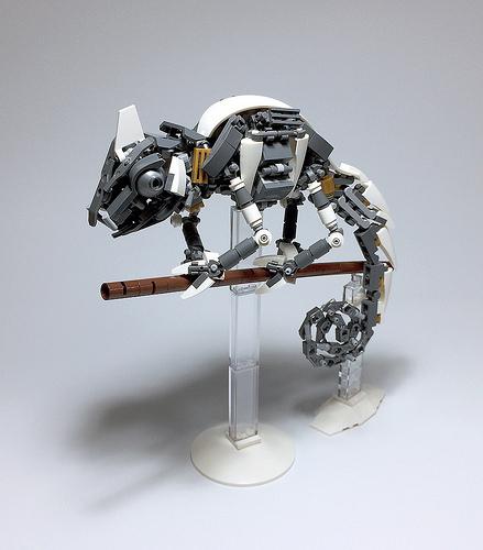 LEGO Mech Chameleon-01