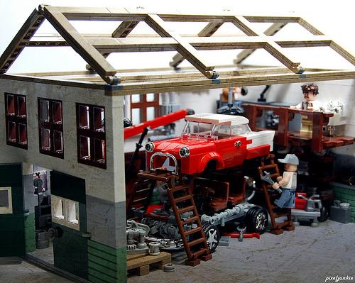 Vintage Garage Diorama