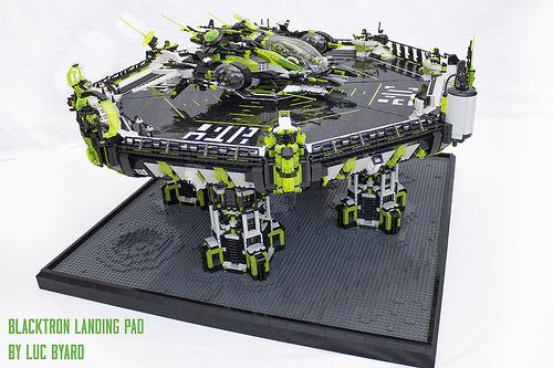 Blacktron Landing Pad 01