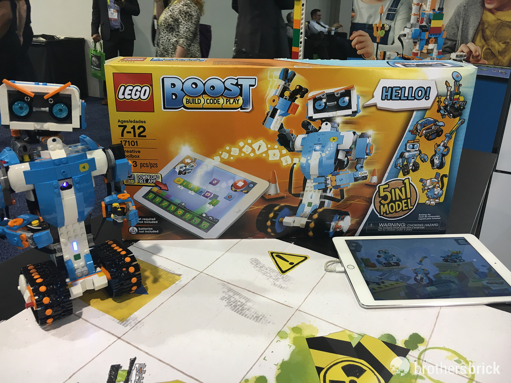 LEGO Boost 17101 CES Booth