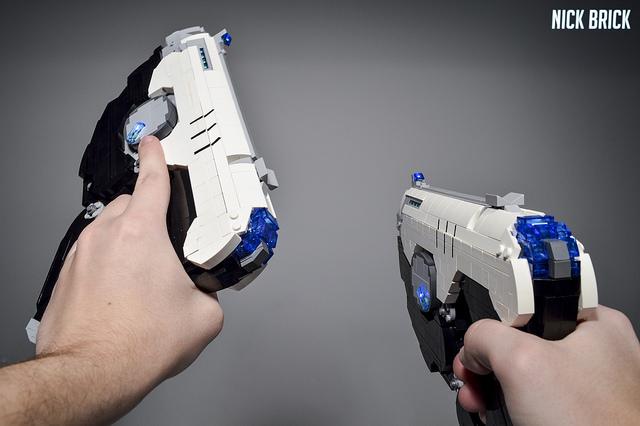 Tracer's Pulse Pistols - Overwatch