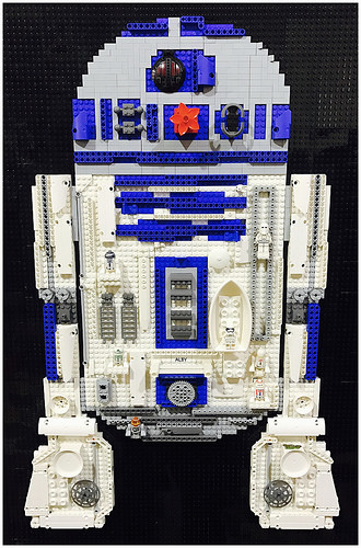 My LEGO R2-D2 Funky Portrait