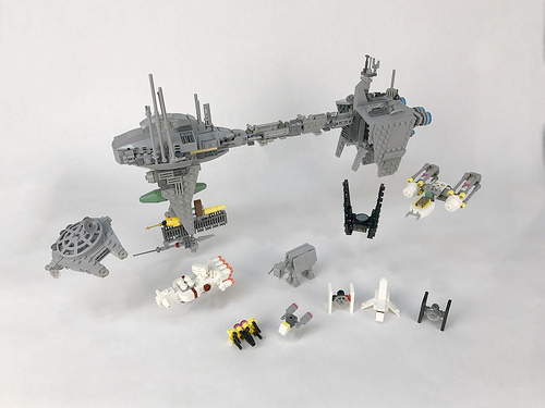 Micro-scale Star Wars ships