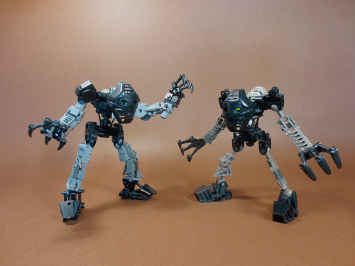 Toa Onua side-by-side comparison