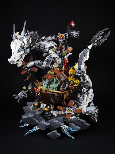 White Dragon attack Sky Pirate