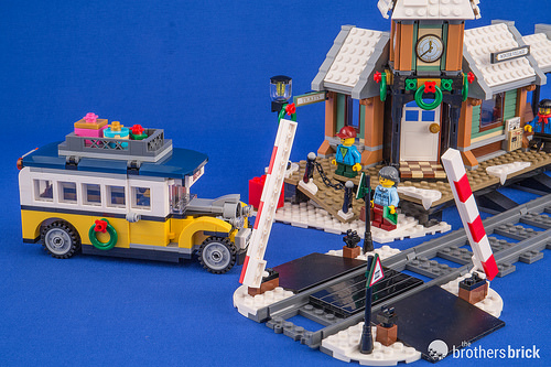 10259 Winter Village Station