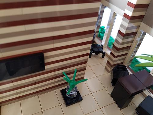 Cocoa Jungle Cottage MOC striped wall