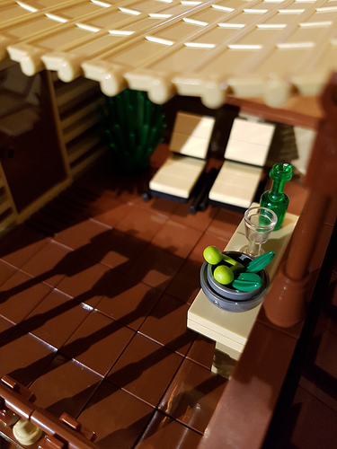Cocoa Jungle Cottage MOC roof terrace close-up