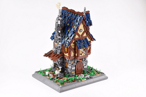 LEGO Medieval Weapons House