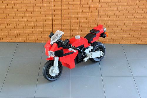 Honda CBR 1000 RR (1)