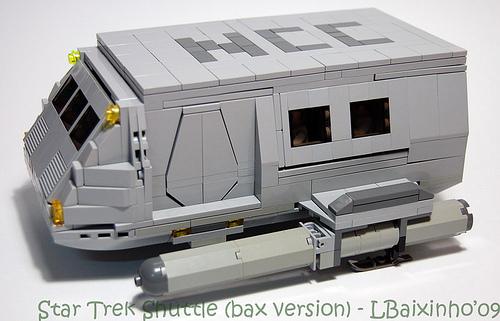 LEGO lbaixinho star trek shuttle