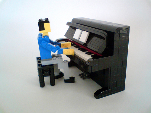 Lego Piano Miniland